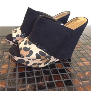 Carlos Santana leopard color block wedges